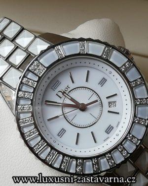 1 Dior Christal CD113112M003 se 44brilianty o celkové váze 0,22ct