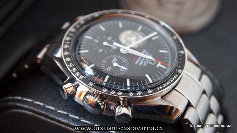 Omega_Speedmaster_Professional_Moonwatch_Apollo_11_40th_Anniversary_Limited_Edition_Watch_03