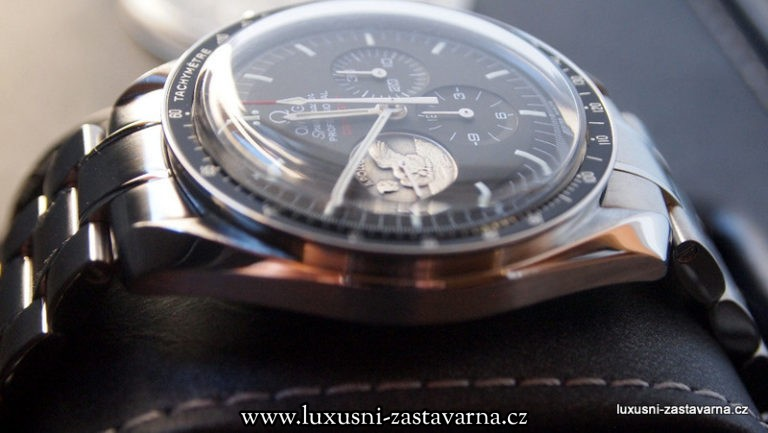 Omega_Speedmaster_Professional_Moonwatch_Apollo_11_40th_Anniversary_Limited_Edition_Watch_04