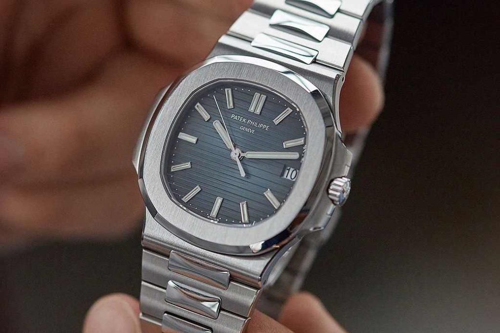hodinky z bazaru, v tomo případě drahý model Nautilus od Patek Philippe