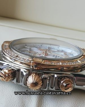 Breitling_Chronomat_B01_44mm_013
