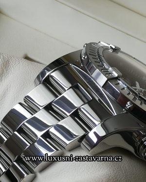 Breitling_Super_Avenger_48mm_011