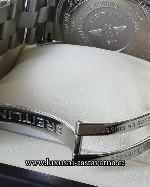 Breitling_Super_Avenger_48mm_012